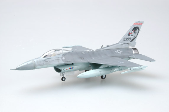 Модель самолета  General Dynamics F-16C Fighting Falcon